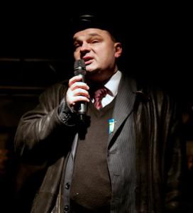 На фото: Вадим Гладчук выступает со сцены Налогового Майдана. 2010 год