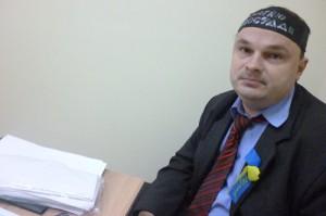 """На фото Гладчук с повязкой """"Требую правосудия"""""""